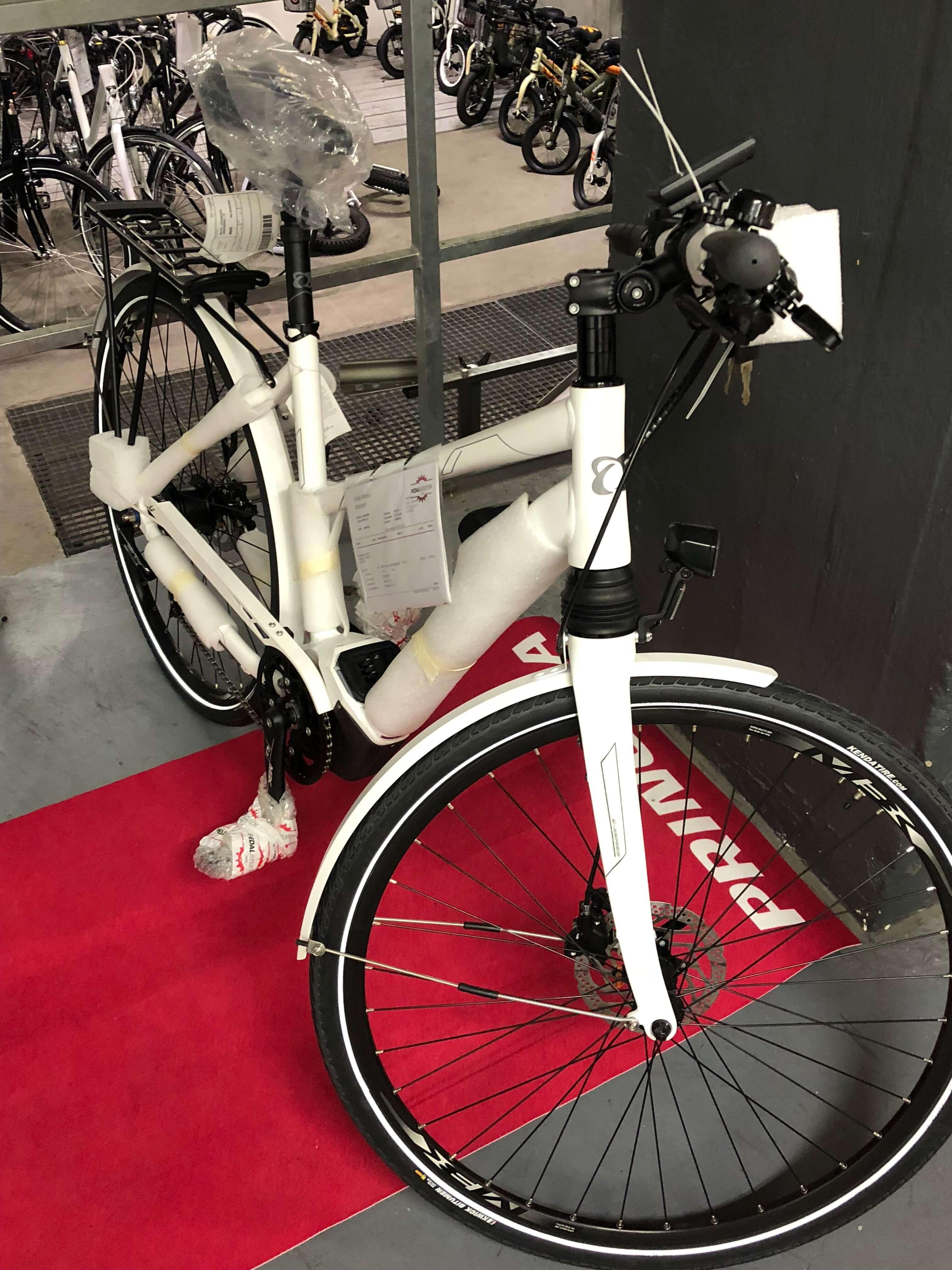 Cykel klargjort til afsendelse fra Pedalatleten